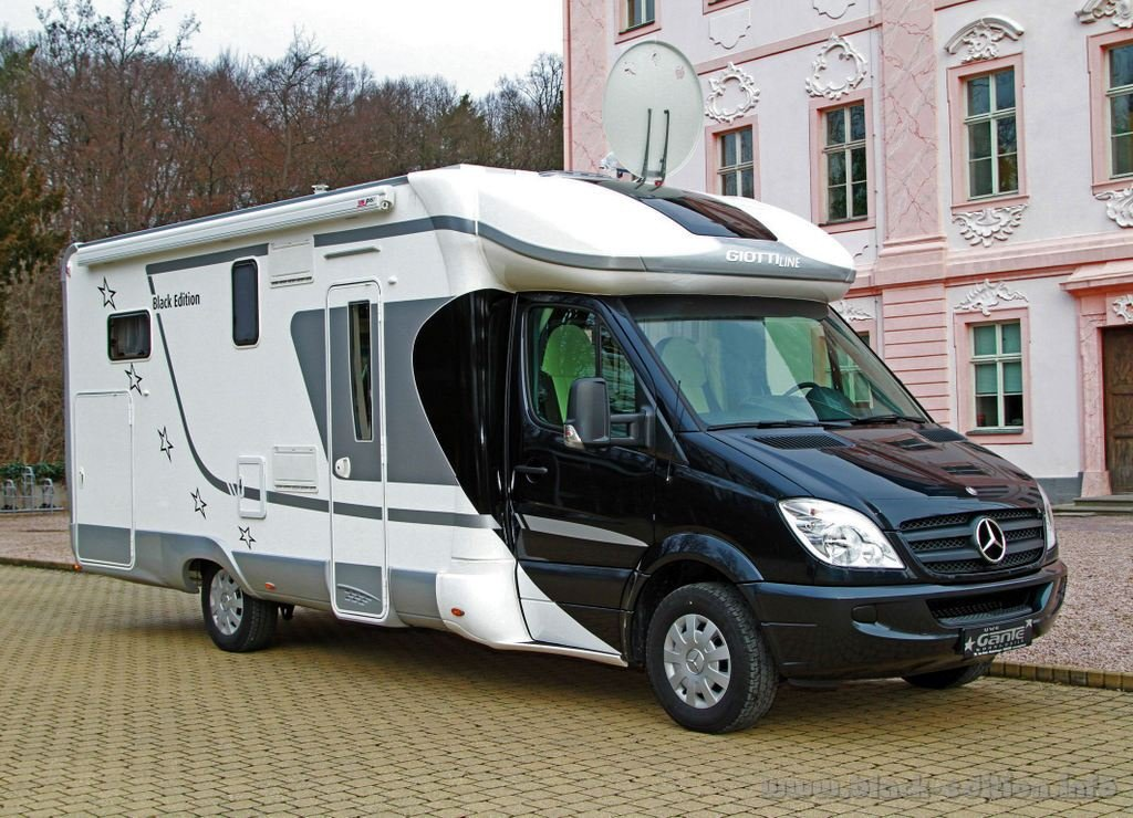 giottiline therry windy topcruiser wohnmobile. Black Bedroom Furniture Sets. Home Design Ideas